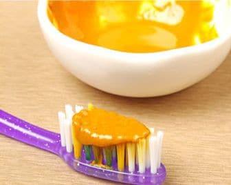 kurkumova-zubni-pasta