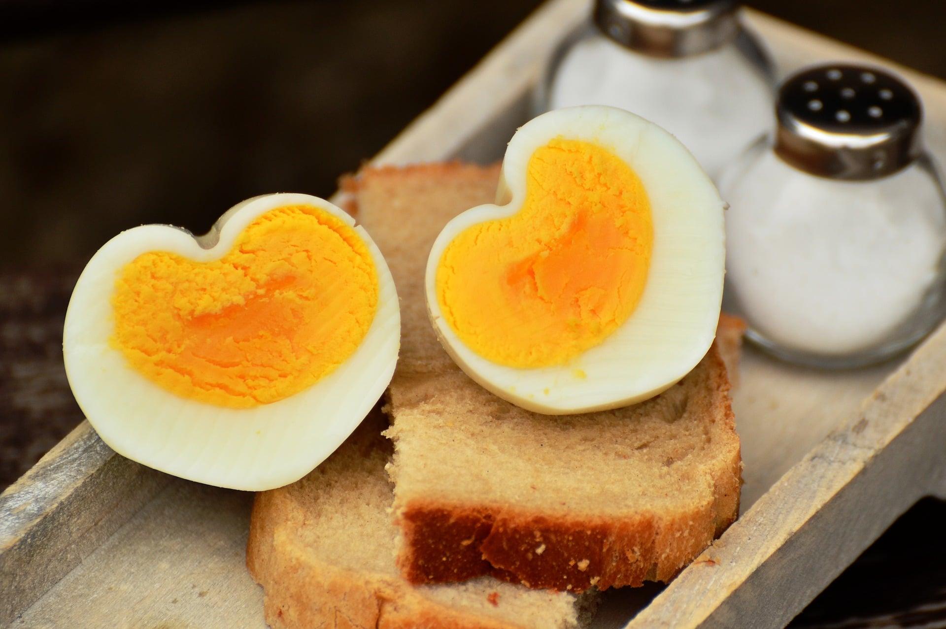 Vejce obsahují přirozený cholesterol
