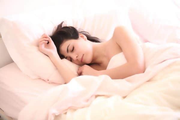 přemíra spánku přispívá rozvoji mozkové mrtvice