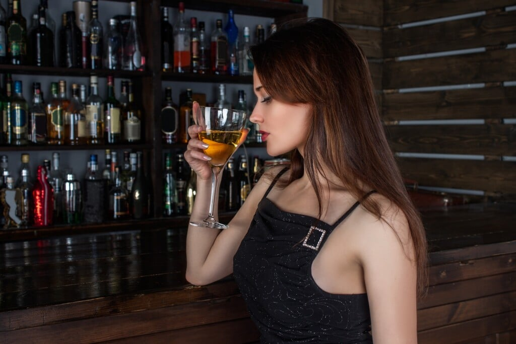 kolik alkoholu žena vypije