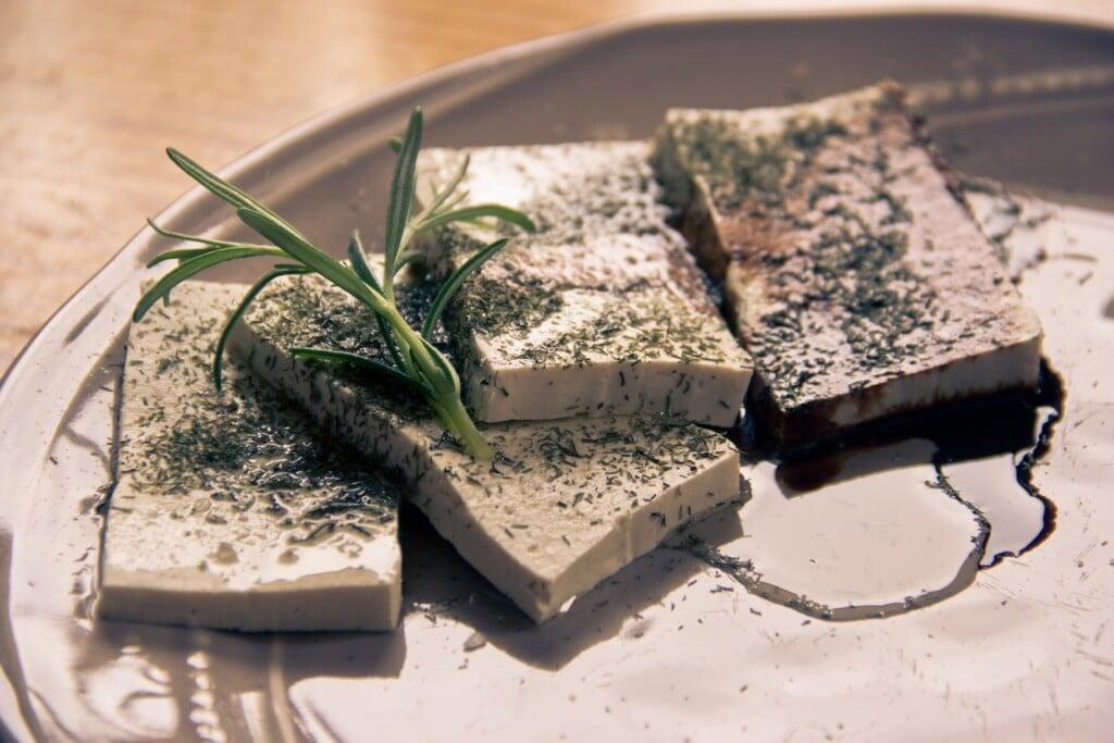 tofu a proteiny