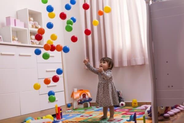 Domácí hry a aktivity pro malé děti.