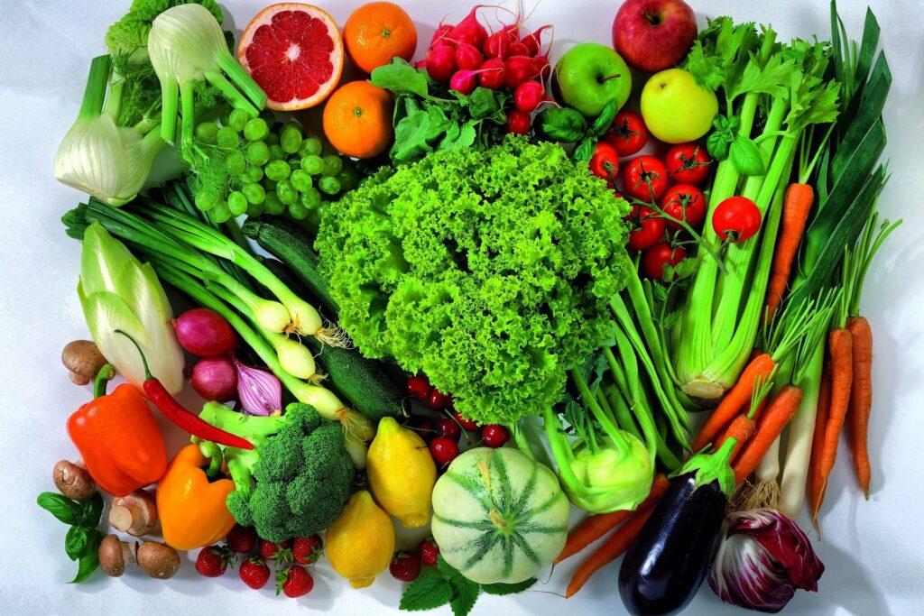 Zdravá strava s vysokým obsahem zeleniny.