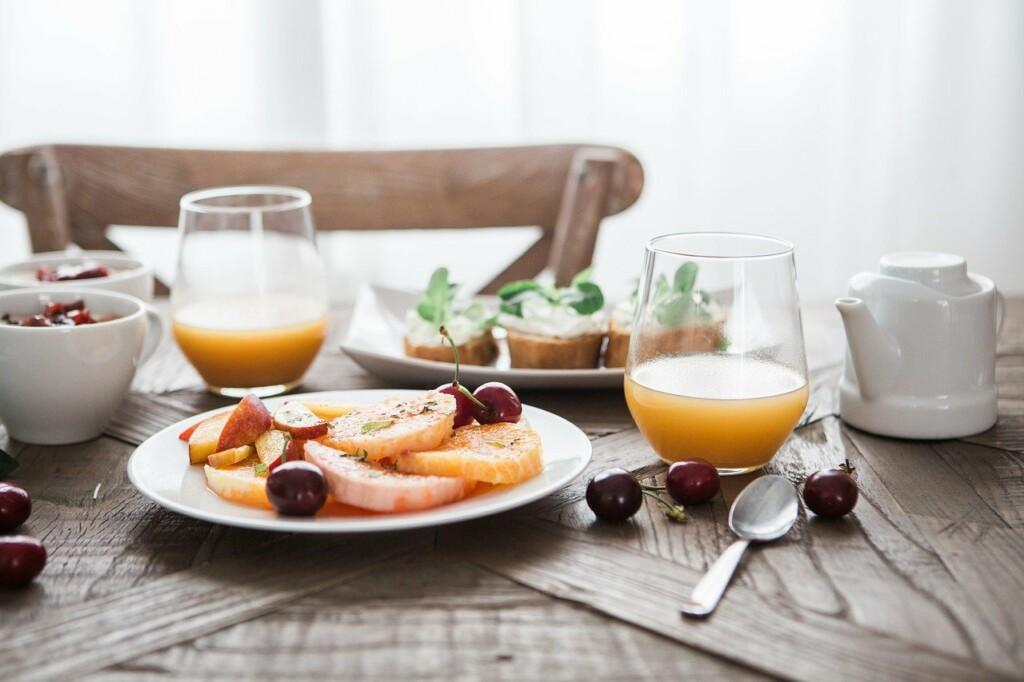 Zdravá veganská snídaně.