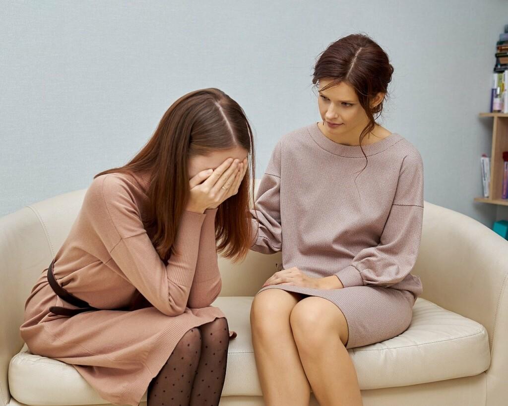 Žena na terapii u psychologa.